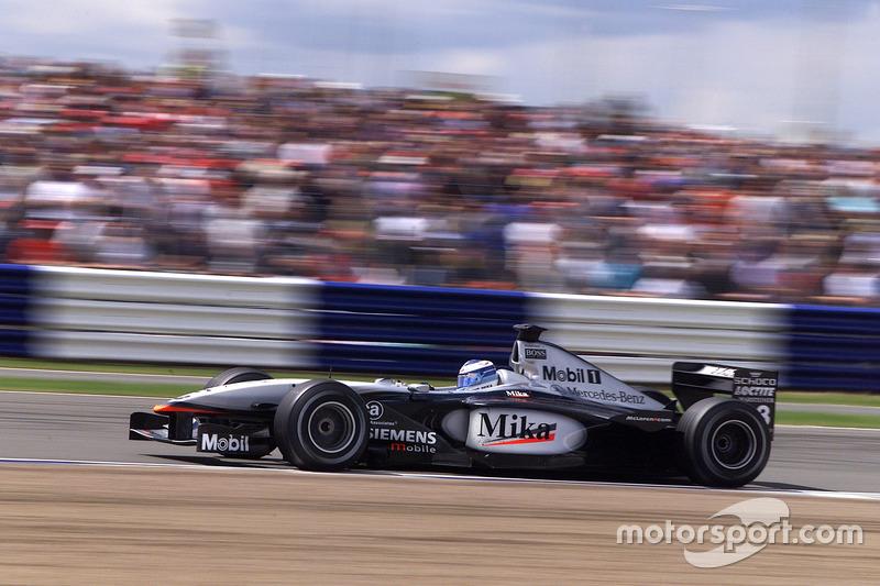 2001. McLaren MP4-16 Mercedes