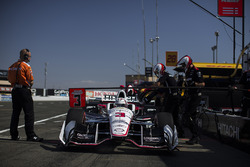Helio Castroneves, Team Penske Chevrolet and crew