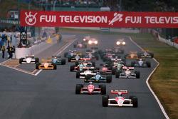Start: Alain Prost, McLaren MP4/4 leads