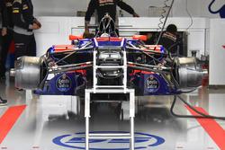 Scuderia Toro Rosso STR12 frente
