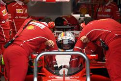 Sebastian Vettel, Ferrari SF70H with cockpit shield