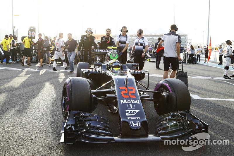Jenson Button, McLaren in der Startaufstellung