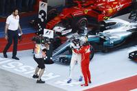 Race winner Valtteri Bottas, Mercedes AMG F1, Sebastian Vettel, Ferrari SF70H