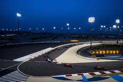 Lewis Hamilton, Mercedes AMG F1 W08; Max Verstappen, Red Bull Racing RB13; Daniel Ricciardo, Red Bull Racing RB13; Felipe Massa, Williams FW40