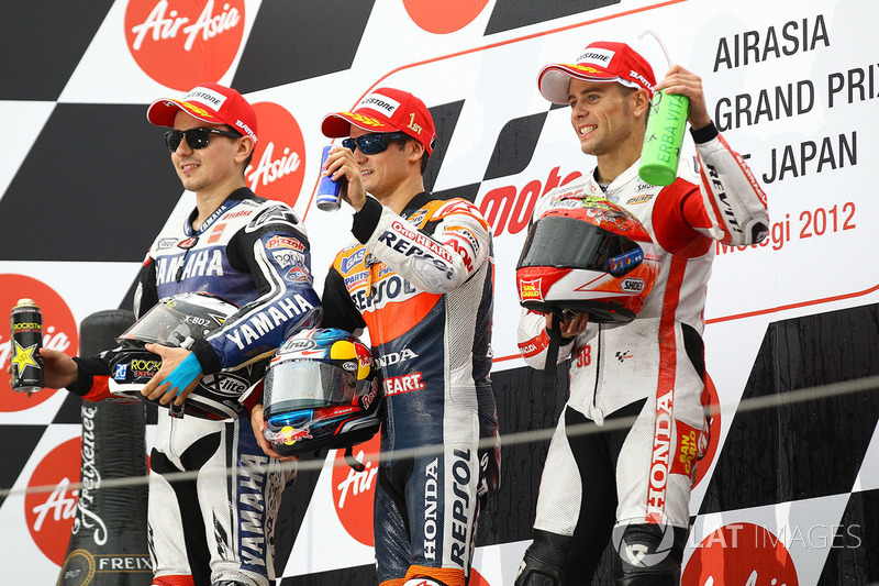 Podio: il vincitore Dani Pedrosa, il secondo classificato Jorge Lorenzo, il terzo classificato Alvaro Bautista