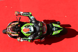 Tom Sykes, Kawasaki Racing rolls down the red carpet after taking pole position