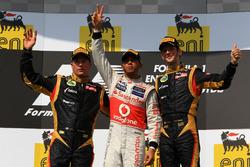 Podium: second place Kimi Raikkonen, Lotus F1 Team, Race winner Lewis Hamilton, McLaren, third place Romain Grosjean, Lotus F1 Team