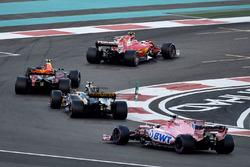 Kimi Raikkonen, Ferrari SF70H, Max Verstappen, Red Bull Racing RB13, Carlos Sainz Jr., Renault Sport F1 Team RS17 and Esteban Ocon, Sahara Force India VJM10