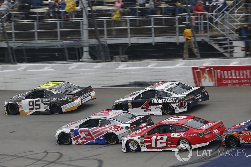 Ryan Blaney, Team Penske, Ford Fusion DEX Imaging Austin Dillon, Richard Childress Racing, Chevrolet