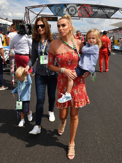 Slavica Ecclestone and Petra Ecclestone, on the grid