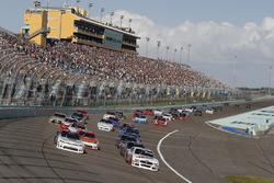Start: Tyler Reddick, Chip Ganassi Racing Chevrolet, Cole Custer, Stewart-Haas Racing Ford
