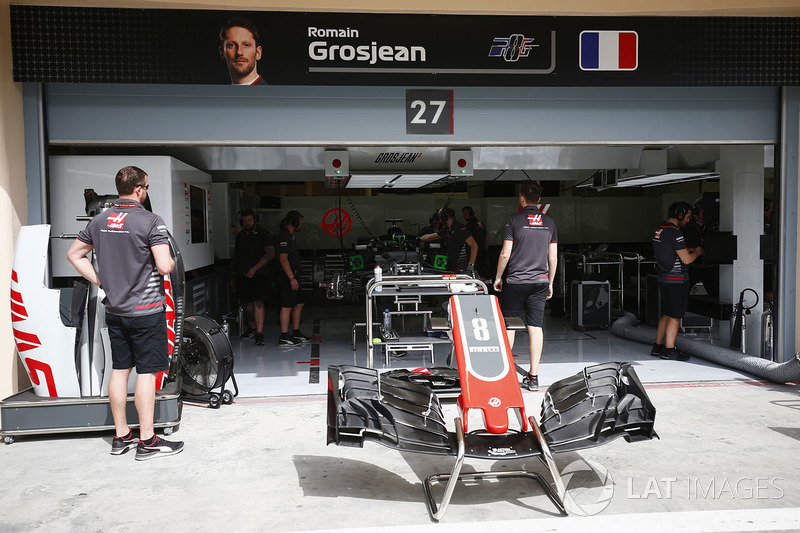 Garage of Romain Grosjean, Haas F1 Team VF-18 Ferrari