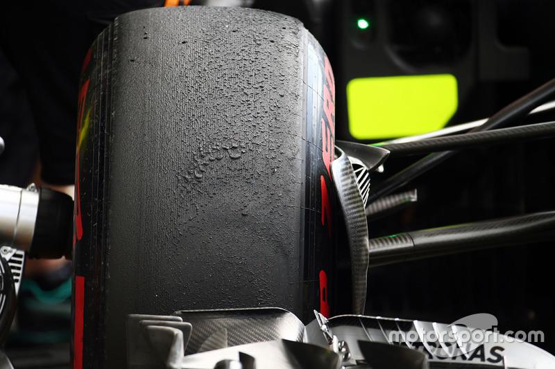 Mercedes AMG F1 W07 Hibrid'de Pirelli lastikleri