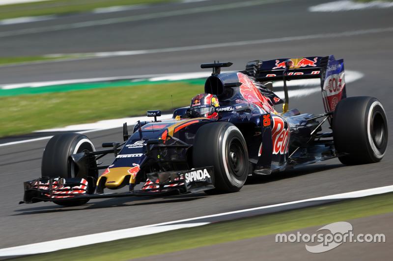 10. Daniil Kvyat, Scuderia Toro Rosso STR11