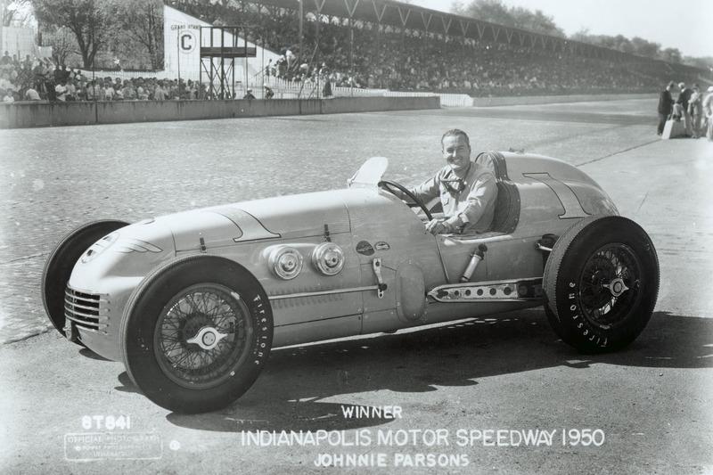 1950 - Kurtis Kraft, aprovecha la excepción de las 500 Millas de Indianápolis