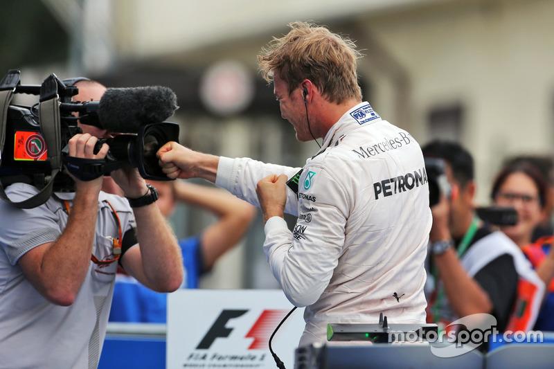 Mercedes: 43 очка