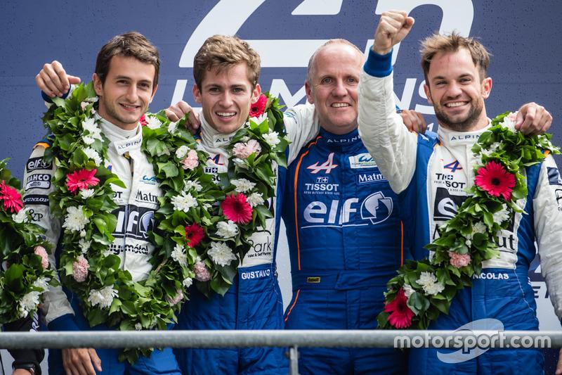 LMP2 Podio: ganadores de clase #36 Signatech Alpine A460: Gustavo Menezes, Nicolas Lapierre, Stéphan