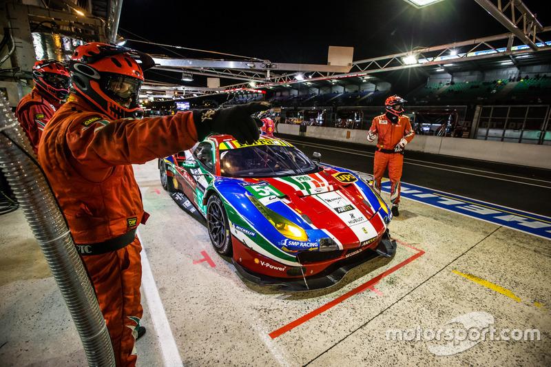Піт-стоп#51 AF Corse Ferrari 488 GTE: Джанмарія Бруні Джеймс Каладо, Алессандро П'єр Гуіді