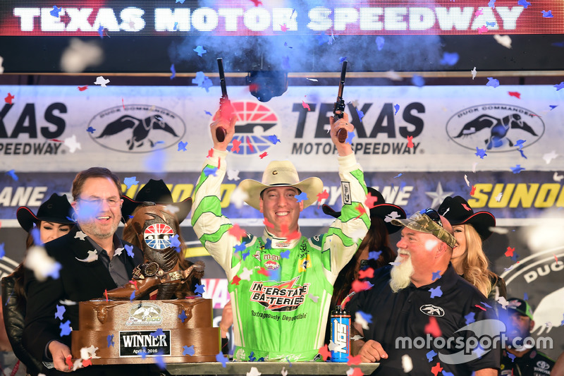 Race winner, Kyle Busch, Joe Gibbs Racing Toyota