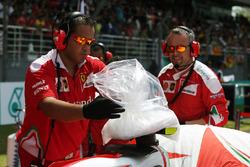Ferrari put dry ice on the Ferrari SF16-H of Kimi Raikkonen, Ferrari on the grid