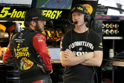 Martin Truex Jr., Furniture Row Racing, Toyota Camry, mit Cole Pearn