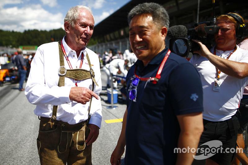 Консультант Red Bull Racing Гельмут Марко, генеральний директор Honda Motorsport Масасі Ямамото
