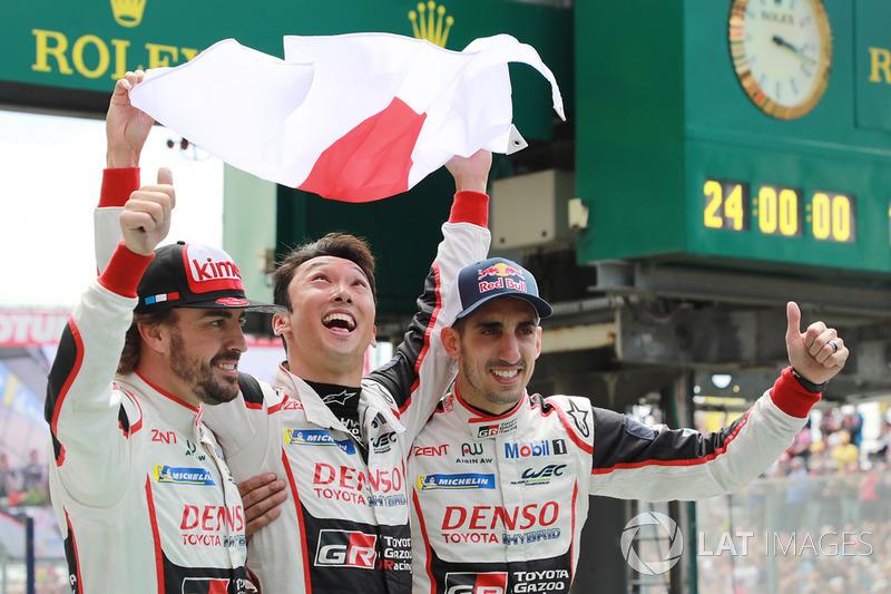 Себастьен Буэми, Казуки Накаджима и Фернандо Алонсо также выиграли «Ле-Ман» впервые