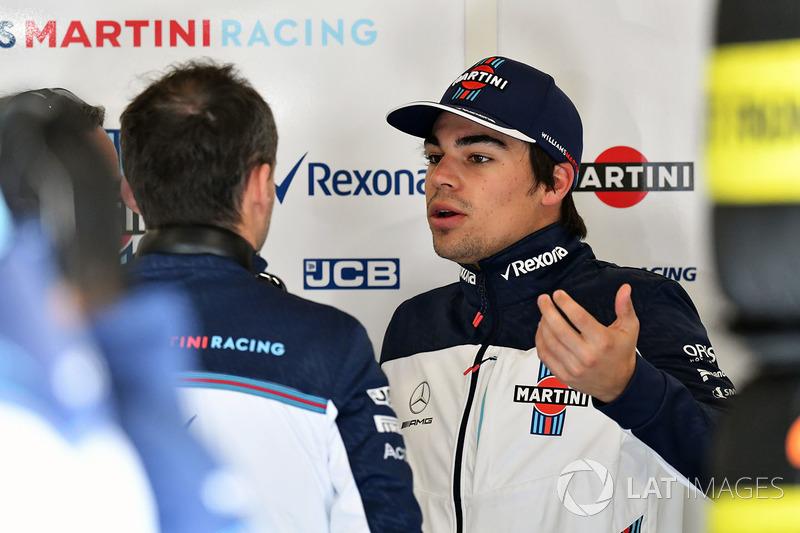 O debate entre os pilotos da Williams estava acalorado, com Lance Stroll...