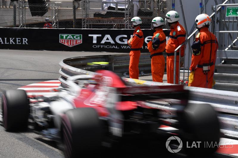 Charles Leclerc, Sauber C37 and marshals