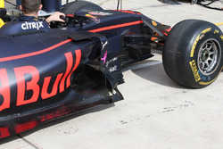 Red Bull Racing RB13 barge board