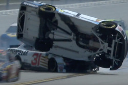 Jamie McMurray, Chip Ganassi Racing, slaat over de kop