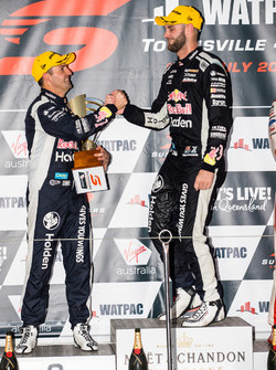 Podium: second place Jamie Whincup, Triple Eight Race Engineering Holden, winner Shane van Gisbergen, Triple Eight Race Engineering Holden