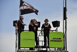 Ryan Blaney, Team Penske, Ford Mustang Pirtek crew on the hauler