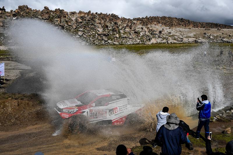 #304 Toyota Gazoo Racing Toyota: Жінель де Вільєр, Дірк фон Цітцевітц