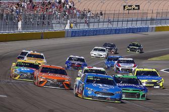 Ryan Blaney, Team Penske, Ford Fusion PPG and Ryan Newman, Richard Childress Racing, Chevrolet Camaro Liberty National