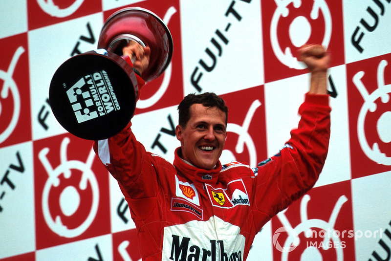 Quel a été votre titre mondial le plus émouvant : le tout premier, en 1994, ou le premier avec Ferrari, en 2000 ?