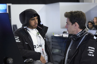 Lewis Hamilton, Mercedes AMG F1, with Toto Wolff, Executive Director (Business), Mercedes AMG