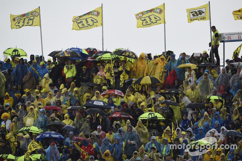 Rossi-fans in de regen