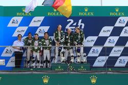 Podium: 1. Timo Bernhard, Earl Bamber, Brendon Hartley, Porsche Team, 2. Sébastien Buemi, Anthony Da