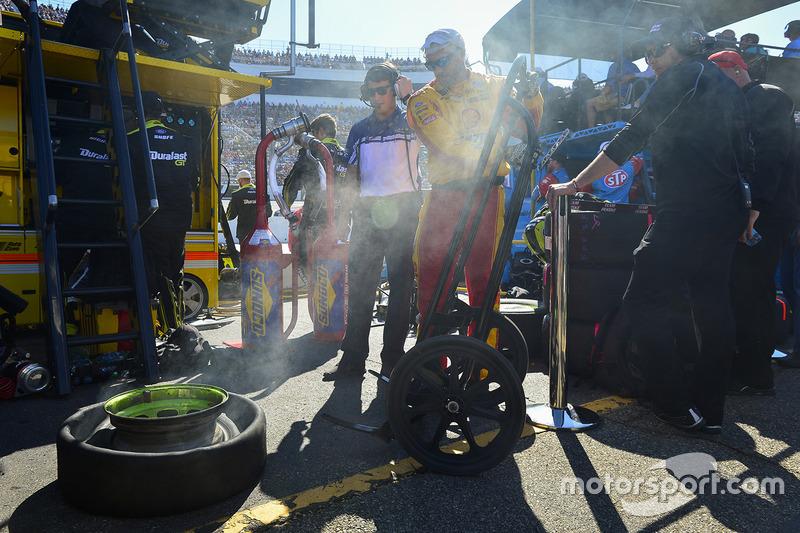 Joey Logano;s tire, Team Penske Ford