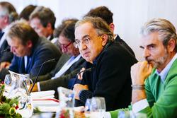 Sergio Marchionne, Presidente y CEO de Ferrari Fiat Chrysler automóviles y Maurizio Arrivabene, dire