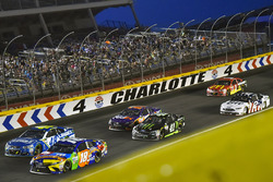 Kyle Busch, Joe Gibbs Racing Toyota, Jimmie Johnson, Hendrick Motorsports Chevrolet, Kurt Busch, Stewart-Haas Racing Ford