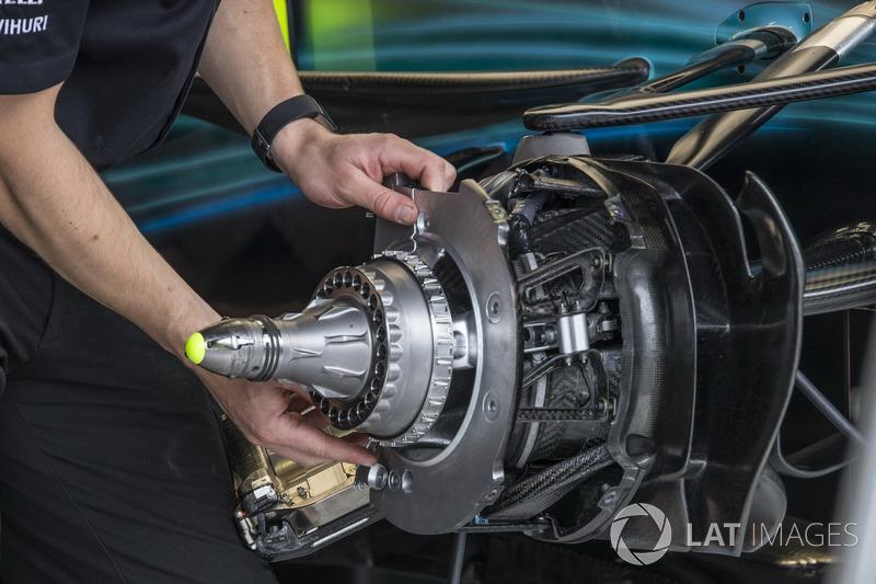 Mercedes-Benz F1 W08, Radnabe, Vorderrad