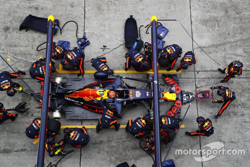Max Verstappen, Red Bull Racing RB13, Boxenstopp