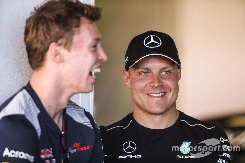Daniil Kvyat, Scuderia Toro Rosso, Valtteri Bottas, Mercedes AMG F1