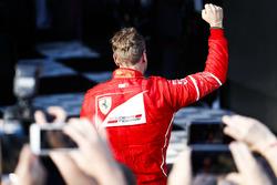 Sebastian Vettel, Ferrari, celebra en el Parc Ferme