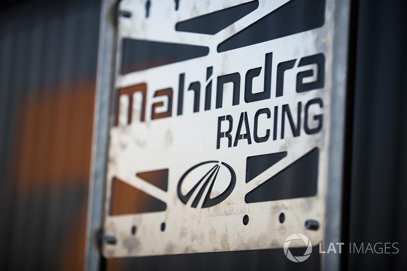 Логотип команды Mahindra Racing
