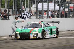 Zieldurchfahrt: 1. #29 Audi Sport Team Land-Motorsport, Audi R8 LMS: Christopher Mies, Connor De Phillippi, Markus Winkelhock, Kelvin van der Linde