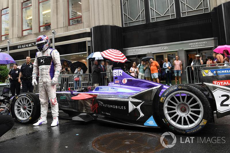 DS Virgin Racing en las calles de la ciudad de Nueva York