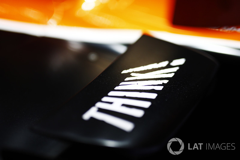 Detail: McLaren MCL32